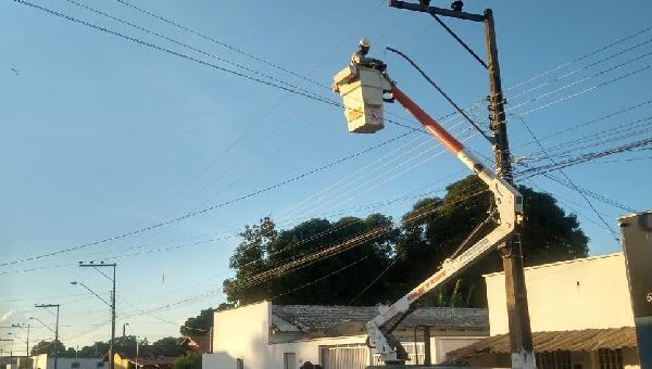 Manutenção da Iluminação Publica de Caseara e Assentamento Araguaia